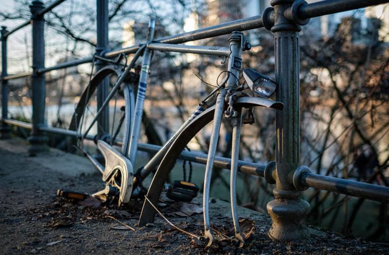 como atar bicicleta
